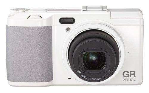 Ricoh GR Digital IV Digitalkamera (10 Megapixel, 4-fach digitaler Zoom, 7,6 cm (3 Zoll) Display, bildstabilisiert) weiß