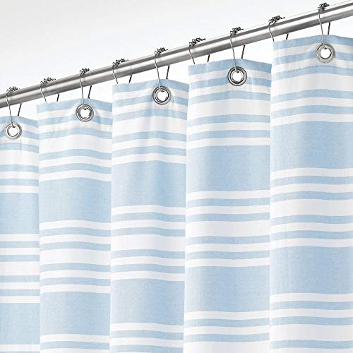 mDesign Duschvorhang aus 100prozent Baumwolle – gestreifte Duschgardine für Dusche & Badewanne mit 183 cm x 183 cm – langlebiges Badzubehör mit verstärkten Löchern – hellblau