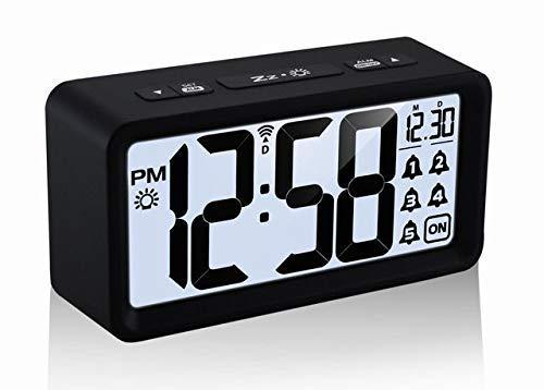 Technoline Funkwecker WT 496, moderner Wecker mit 5 Weck-Alarme inklusive Schlummerfunktion, Datum und Wochentagsanzeige, Nachtlicht, Hintergrundbeleuchtung (schwarz mit Batterien)
