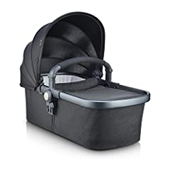 Designed with comfort in mind, this ultra-soft bassinet lets your baby sleep soundly and lie completely flat Zips open and closed. Includes UPF 50 Canopy and Bumper Bar. Compatible with both the Qool and Caboose S To use the bassinet in the front pos...