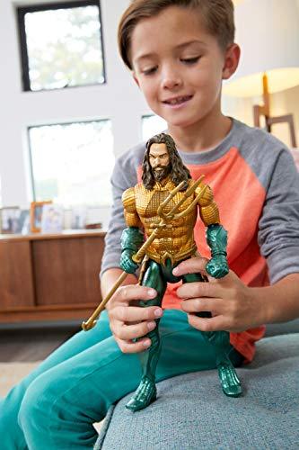Mattel GmbH fxf67DC Aquaman Deluxe Figura con luz y sonido, joven, 30cm 5