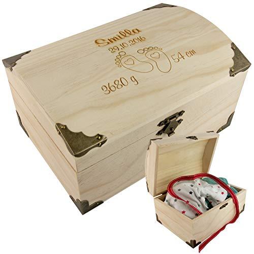 Geschenke 24 Holz-Schatzkiste zur Geburt mit Fußabdrücken – Schatztruhe personalisiert mit Geburtsdaten (Name, Datum, Gewicht, Größe) - Geschenk zur Geburt Junge, Mädchen, Geldgeschenke verpacken