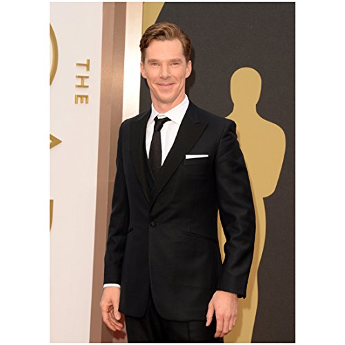 Benedict Cumberbatch Smiling Big in Black Suit at The Oscars 8 x 10 Photo