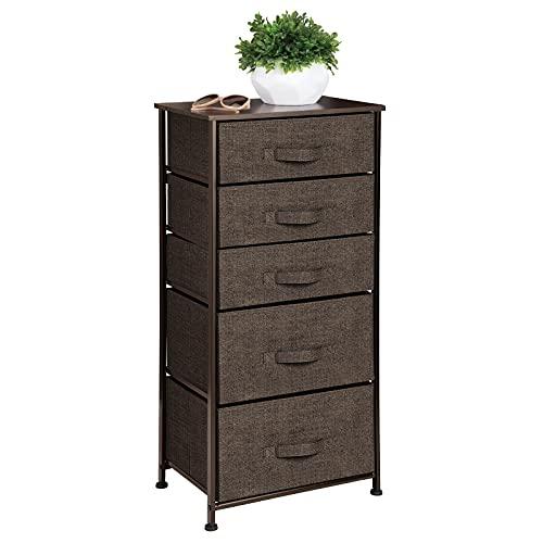 mDesign Cómoda de tela – Práctico organizador de armarios con 5 cajones en dos tamaños – Cajonera estrecha para dormitorio y habitaciones pequeñas – marrón café