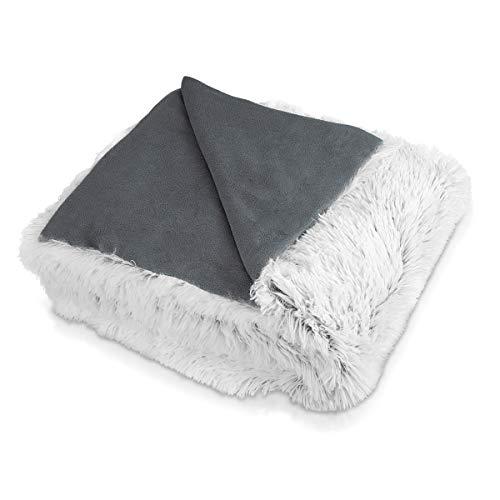 Navaris Kuscheldecke Couchdecke Decke aus Kunstfell - 150x200cm Tagesdecke für Sofa, Couch oder als Bettüberwurf - waschbare Felldecke in Weiß-Grau