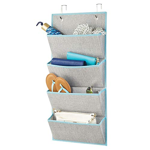 mDesign - Hangende opberger met 4 grote zakken - zacht materiaal/gestructureerd patroon/sterke boord - voor kasten in slaapkamers, gang, entree, bijkeuken - inclusief haken - grijs/groenblauw