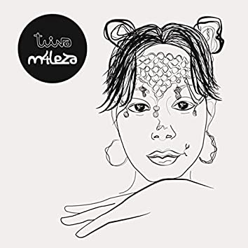 Twina (feat. Máximo Disfrute)