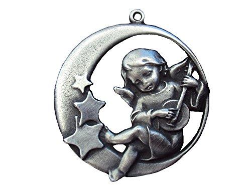 Zinngeschenke Engel im Mond mit Sternen (D) 6,0 cm als Ganzjahresanhänger, Wand- oder Fensterbild aus Zinn von Hand patiniert