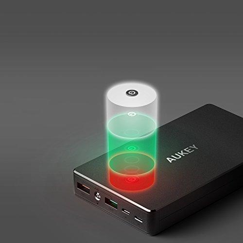 AUKEY Quick Charge 3.0 Power Bank 20000mAh Batteria Esterna con Ingresso Lightning + Micro USB, per iPhone X/ 8/7/ 6s, iPad, Samsung S8/ S8+, Tablets ECC.