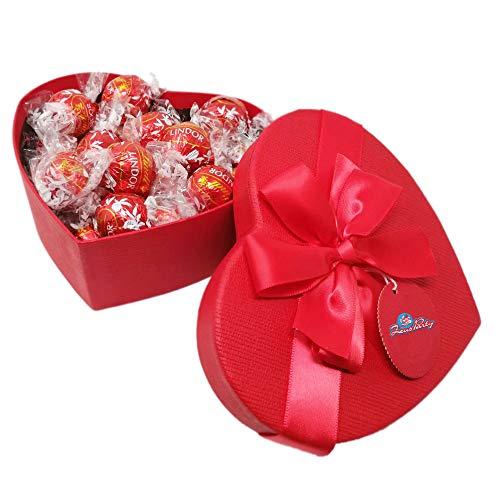 Scatola SAN VALENTINO rossa a forma di cuore con 250 gr di cioccolatini al latte LINDT , confezione con elegante scatola REGALO idea regalo san valentino