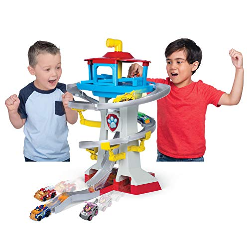 Paw Patrol, True Metal Adventure Bay Rescue Way Playset with 2...