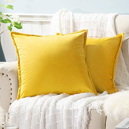 Bedsure Juego de 2 fundas de almohada de terciopelo para sofá de 18 x 18 cm, color amarillo