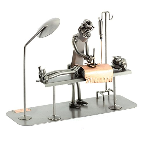 Steelman24 I Schraubenmännchen OP-Tisch I Made in Germany I Handarbeit I Geschenkidee I Stahlfigur I Metallfigur I Metallmännchen
