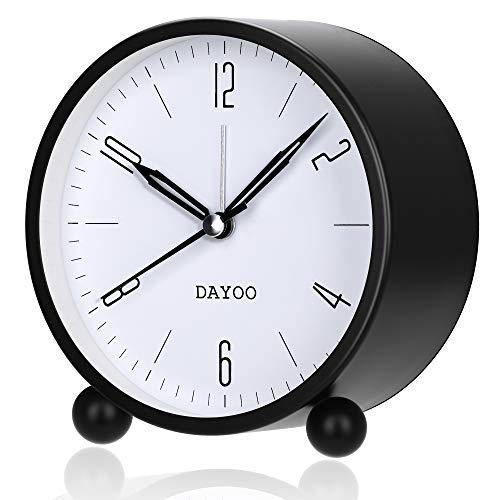 DAYOO Wecker, 4-Inch Rund-Wecker Nicht Ticken, Batteriebetrieb und Light-Funktion, Super-Stille Wecker, Simple Stylish Design für Schreibtisch/Schlafzimmer (Black)