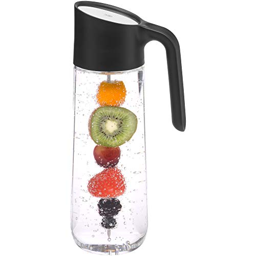 WMF Nuro Wasserkaraffe 1,0l, mit Griff und Fruchtspieß, Höhe 29,7 cm, Glas-Karaffe, CloseUp-Verschluss, schwarz