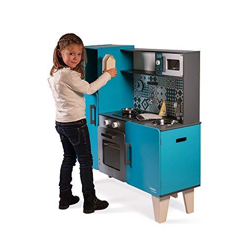 Janod Kinderküche aus Holz Lagoon Maxi mit Kühlschrank und Mikrowelle – Kinder Spielzeug Küche – Inkl. 15 Zubehörteilen – Ab 3 Jahren, J06555 - 3