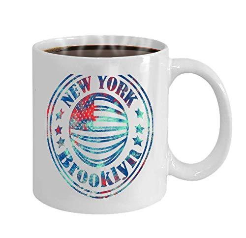Taza de café 11 onzas Calle Estilo gráfico Nyc Brooklyn City Art Moda Elegante Plantilla de impresión Ropa Tarjeta Etiqueta Cartel Emblema Sello