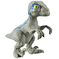 Be a part of the Jurassic World action and adventure! Inspired by fan favourite, Velociraptor Blue. Stretch your Raptor, pull it and tie it in knots! Releaes and your Raptor will use super strength to return to original shape! Super Stretchy Fun!