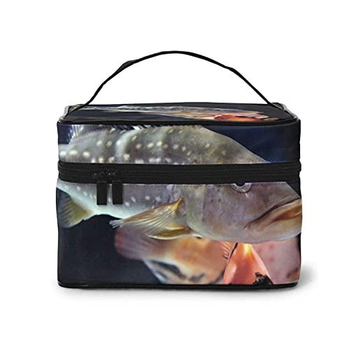DJNGN Peacock Bass Swimming Makeup Bag 9x6,5x6,2 Zoll Travel Große Kosmetiktasche Etui Organizer-Tasche mit Netztasche Tragbare Make-up-Kulturbeutel