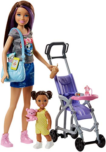 Barbie Famille coffret poupée Skipper baby-sitter et sa poussette avec figurine de fillette brune et accessoires, jouet pour enfant, FJB00