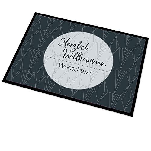 Herz & Heim® Moderne Fußmatte mit Audruck Ihrer Wunschnamen 50x70 cm Nordische Geometrie