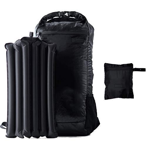 TRAVEL DUDE Ultraleicht Faltbarer Rucksack wasserdicht mit aufblasbarem Rückenpolster aus recycelten Plastik als Rolltop (22L, schwarz)
