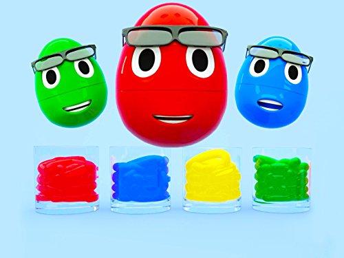 Lernfarben zusammen mit kleinen Eiern - farbiger Schwimmbad