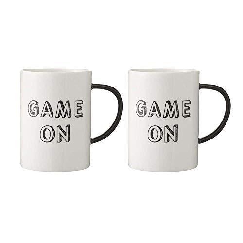 Große Keramiktasse mit Spiel auf Kaffee und Tee