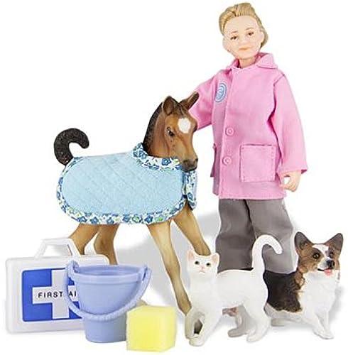 Breyer CL Animal Rescue Set