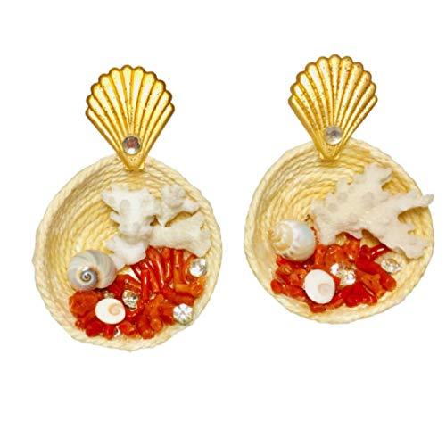 """Orecchini mini cestini sardi fatti a mano di 4cm di diametro """".Cesto fatto a mano Con occhi di Santa Lucia portafortuna,corallo sardo,corallo bianco,conchiglie portafortuna."""