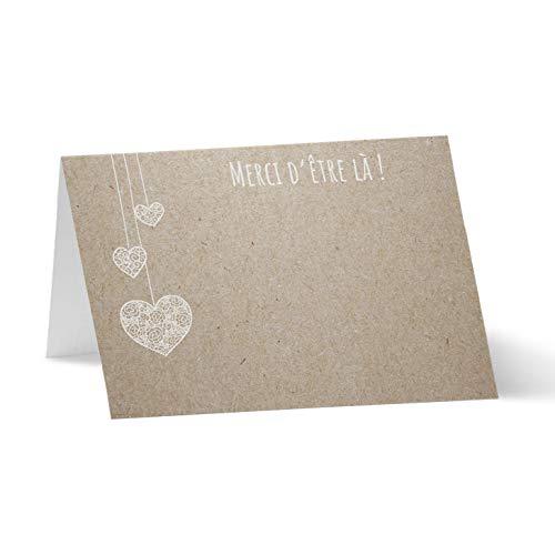 Partycards Marque Place pour Mariage, Baptême, Anniversaire, Noel   Porte Nom de Table en Papier - 50 Cartes Porte Prénom, A7 (Modèle : Papier Kraft avec des c?urs Suspendus)