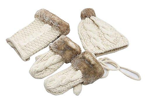 Ensembles d'hiver belle femme de gants et écharpe et chapeau
