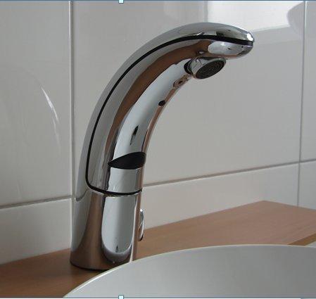 Watermeetsdesign – Waschtisch-Sensorarmatur, Kalt- und Warmwasser, integrierter Batteriebetrieb, Chrom - 5