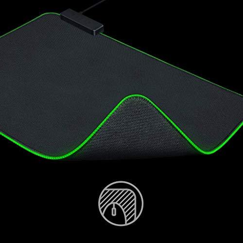 Razer Goliathus Chroma - Weiche Gaming Maus-Matte mit RGB Beleuchtung (Kabelhalterung, Stoff-Oberfläche, rutschfest, gesteppter Rand, optimiert für alle Mäuse) Schwarz