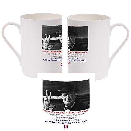 Una taza de porcelana con una imagen de Winston Churchill con una cita de su famoso discurso VE75 '...It's a Victory for The Great British Nation' para celebrar la victoria en Europa Día 8 de mayo.