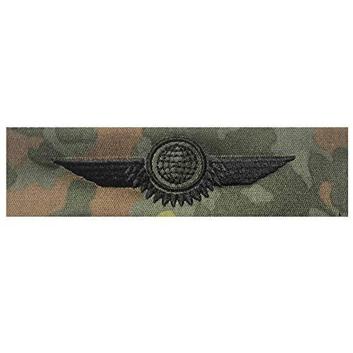 baum-m gmbh Bundeswehr Tätigkeitsabzeichen Luftfahrzeug-Personal Schwarze Stickerei auf Flecktarn-farbenen Original BW-Stoff