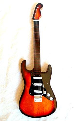 Miniatur Gitarre mini guitar Fender Stratocaster sunburst # 150 Dekoration