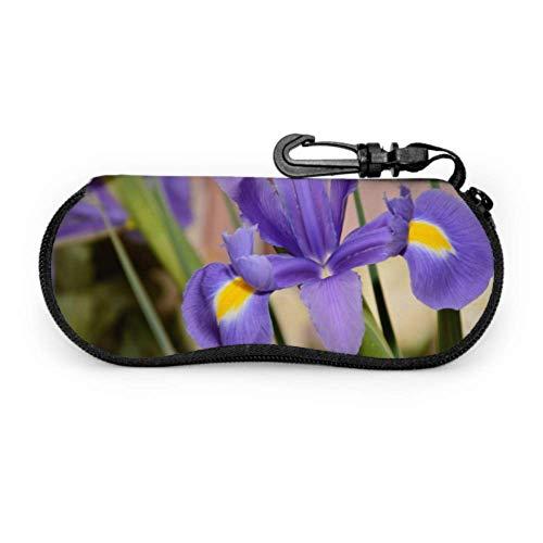 Flor de Iris floreciente en un prado Estuche suave para gafas para hombres Estuche para anteojos para hombre Estuche ligero con cremallera portátil Estuche suave para anteojos para hombres