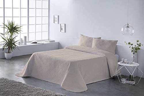 BOHEME Bouti Tagesdecke Glatte Farbe Sand Bed...