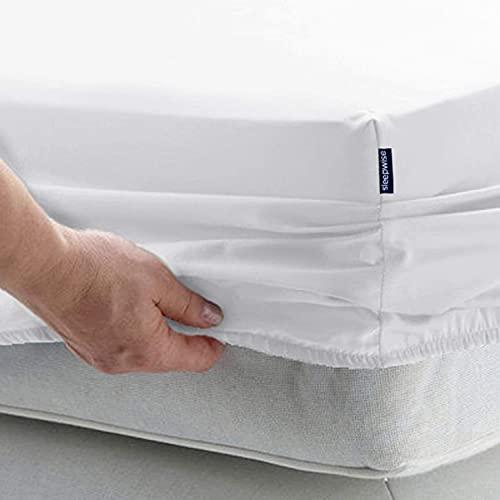 Sleepwise Premium Spannbettlaken (180-200x200), Spannbetttuch 100% Mikrofaser Fleece bis 30cm Bett Matratzenhöhe, Hypoallergen Spannbetttücher Bettlaken, alle Jahreszeiten (White/Grey Square)