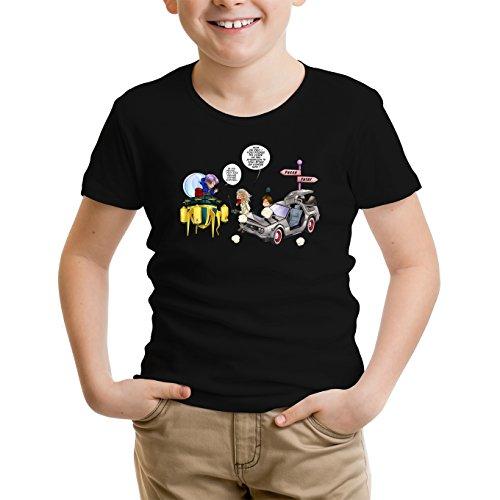 Okiwoki T-Shirt Enfant Noir DBZ et Retour vers Le Futur parodique Trunks Vs Doc et Marty Macfly : Collision dans Les Couloirs du Temps ! (Parodie DBZ et Retour vers Le Futur)