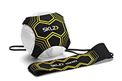 Solo soccer trainer returns the ball to the Player, for independent drills that build skills in Shooting, passing, receiving, juggling, throw ins and more Adjustable neoprene ball glove fits soccer ball sizes 3, 4, and 5 (ball Not Included) Neoprene ...