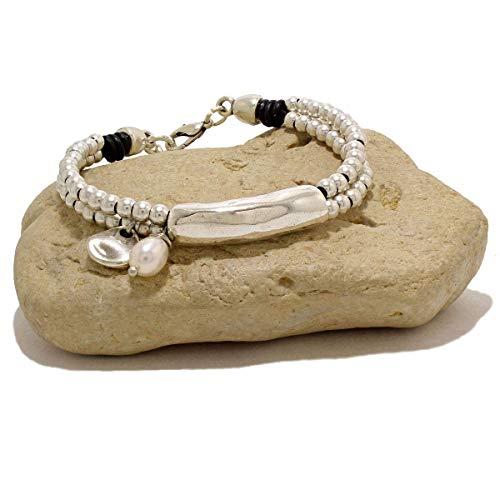 Pulsera hecha a mano con cuero y charm perla de río natural de Intendenciajewels - Pulsera de perla - Pulsera de cuero - Pulsera de cuero y perlas - Pulsera ajustable de 16-19,5 cm.