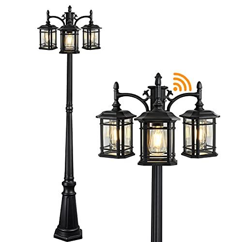 CINOTON Dusk to Dawn Outdoor Lamp Post Lights, Black Outdoor Street Light Pole Waterproof Outside Pole Lights Fixtures Triple Head Lantern Lamp with Clear Glass Panels for Backyard Patio Garden Décor