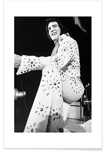 "JUNIQE® Rock Elvis Poster 40x60cm - Design ""Elvis Presley, 1974"" entworfen von Vintage Photography Archive"