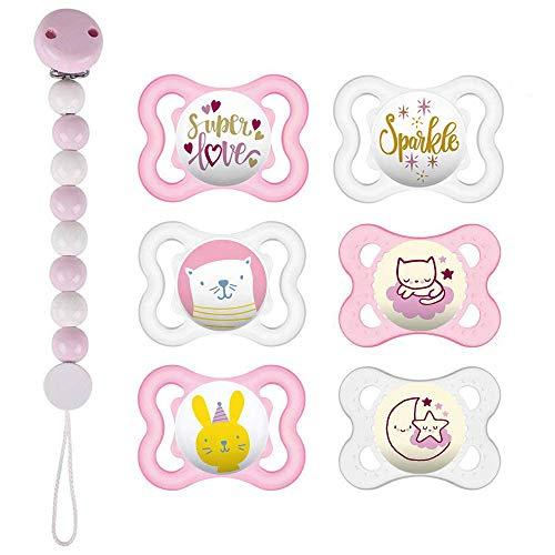 MAM Day & Night « Skin Soft » Lot de 6 tétines en silicone 0-6 Pour filles 3 étuis de transport stérilisés inclus Attache-tétine en bois avec perles Rose