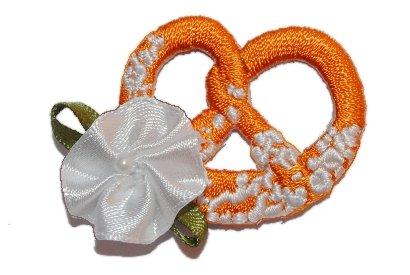 alles-meine.de GmbH Brezel mit Blüte 3,8 cm * 3,3 cm BÜGELBILD Herz süß Süßigkeit