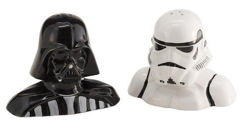 Star Wars Darth Vader y Storm Trooper juego de sal y pimienta Hecho de material cerámico Juegos de cerámica esculpidos y pintados a mano son divertidos y funcionales Dispersores tridimensionales situados en la parte inferior de un cierre de goma para...