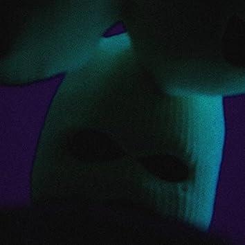 GANTZ FREESTYLE (feat. Phillip Dark, DisRoyal3 & ARTIS JEFE)