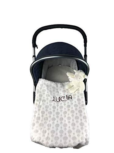 Danielstore- Manta Bebé Bordada Personalizada para Carrito Bebe-Capazo Regalo para Baby Shower (100 x 75 cm) (Manta marfil + muñeco)